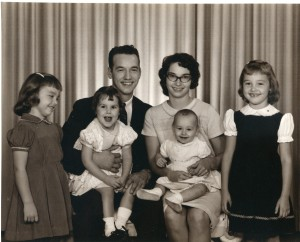 Susie, Dad, Debbie, Mom, Esther and Me